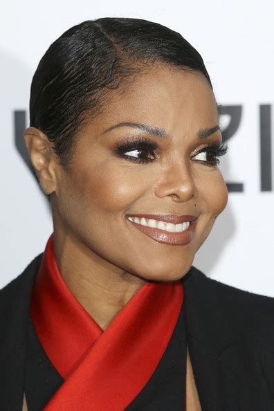 short cut with janet hair janet jackson short hairstyle