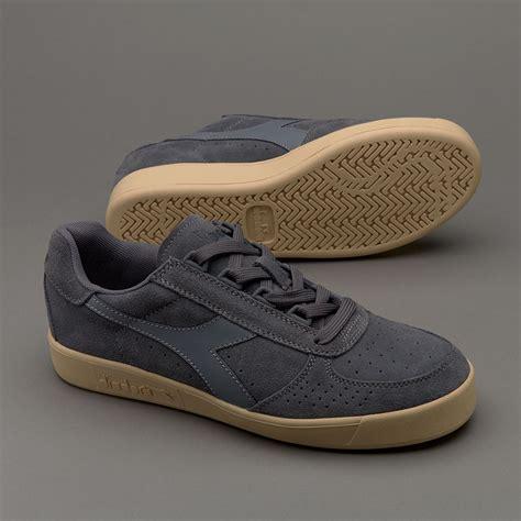 Sepatu Diadora Running sepatu sneakers diadora b elite suede grey