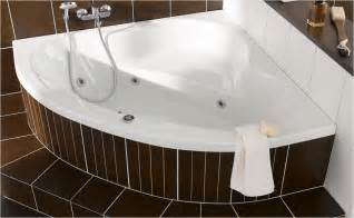 badewanne mit whirlpool ratgeber f 252 r whirlpool badewannen und whirlpools hornbach