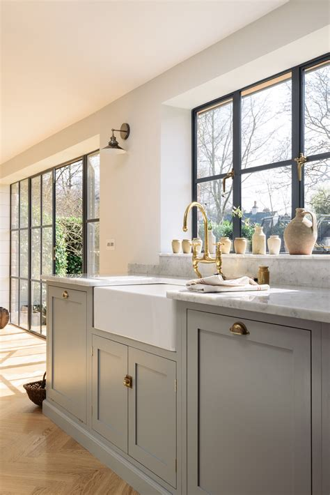 beautiful cabinets and carrara marble on pinterest a classic combination carrara marble worktops a