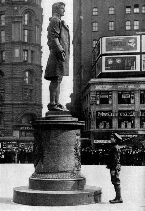 File:Statue of Nathan Hale NGM-v31-p290.jpg - Wikimedia