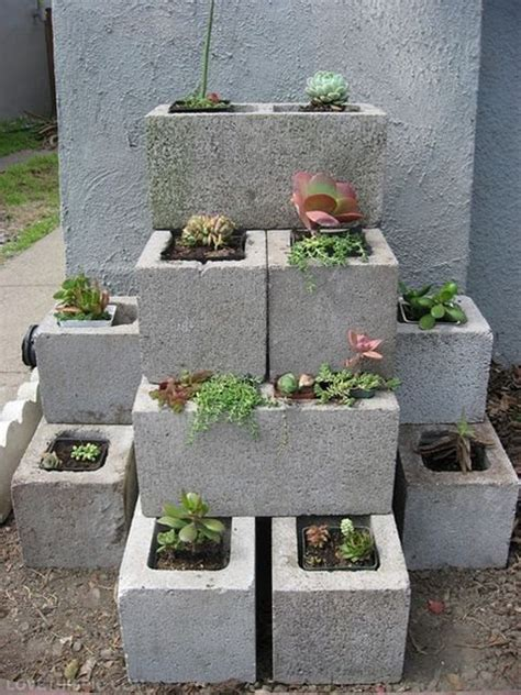 Diy Gardening Ideas Diy Garden Concrete Blocks Garden Diy Gardening Diy Ideas Diy Crafts Do It Yourself Diy