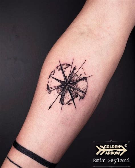 tattoo genre tatouage rose des vents cap sur un classique du genre