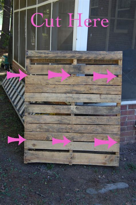 creative outlets   thrifty minded momma wooden pallet