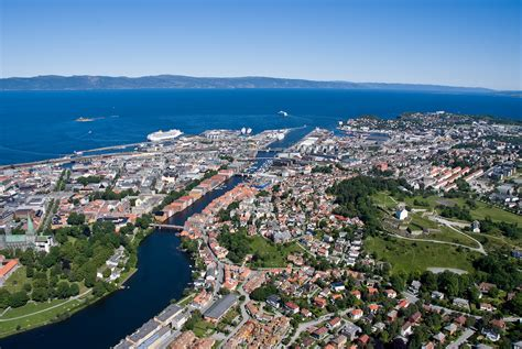 lade da file trondheim overview 01 jpg wikimedia commons