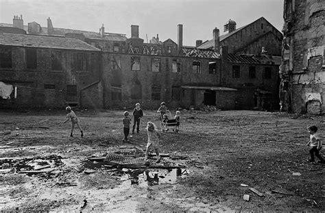 Powerful Photos Of Glasgow Slums 1969 72