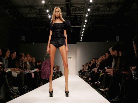 france bans super skinny models france bans super skinny models daily pakistan