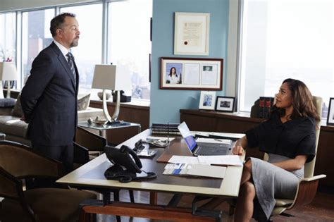 wohnung harvey specter suits photos from quot uninvited guests quot tv fanatic