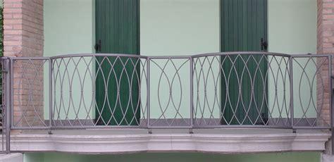 ringhiera terrazzo parapetto balcone in ferro battuto