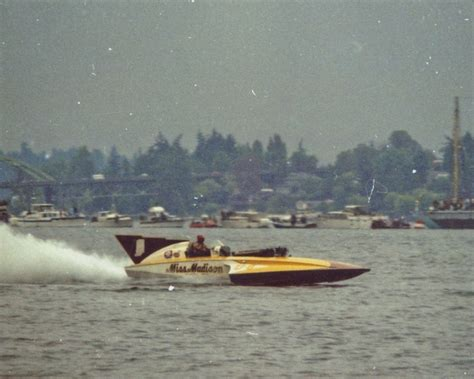 wisconsin drag boat racing 68 best images about hydroplanes on pinterest v12 engine