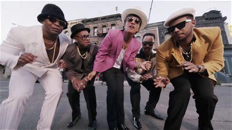 uptown funk 상길tv 뮤직 마크 론슨의 quot uptown funk ft bruno mars quot 텍스트 뮤직비디오