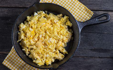 uova cucinare ricetta uova strapazzate la cucina italiana