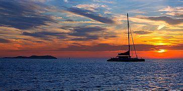 catamaran cruise east coast mauritius overnight catamaran sunset dinner cruise mauritius