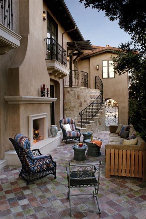 Superior Modern Beach House Decor #1: Cozy-rustic-patio-designs-38-554x833.jpg