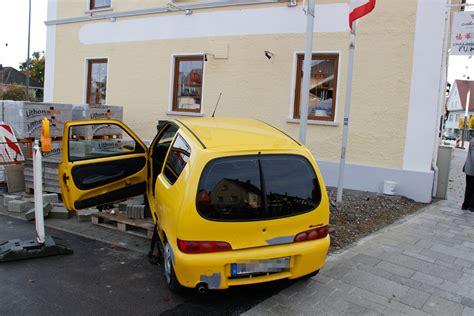 Audi Hringen by V 246 Hringen Kleinwagen Prallt Auf Audi Und Erfasst