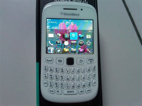 Hp Blackberry Curve Warna Putih Harga Bb Davis Hairstylegalleries