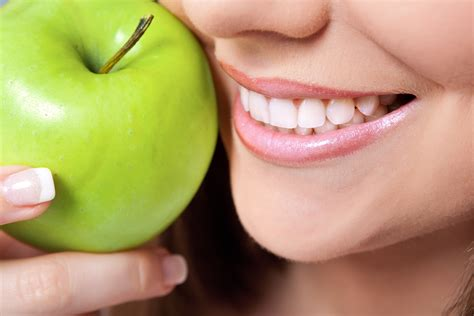 do teeth whitening lights work why choosing a dentist for your teeth whitening treatment