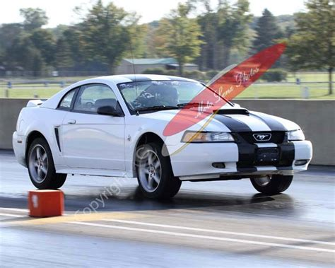 1999 white ford mustang 1999 ford mustang gt 1 4 mile trap speeds 0 60 dragtimes