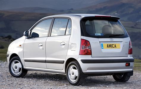 hyundai amica hatchback review   parkers