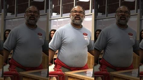 actor geoffrey owens from the cosby show cosby show actor geoffrey owens spotted bagging