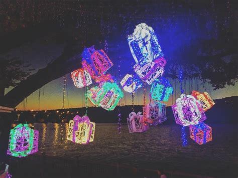 ditmas oark christmaslight displat 5 best neighborhoods for spectacular light displays culturemap