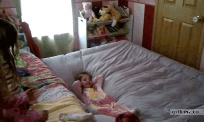 in daddys bed things that bounce thursday 14 gifs thechive