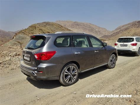 nissan uae 2018 nissan pathfinder in the uae 3 drive arabia
