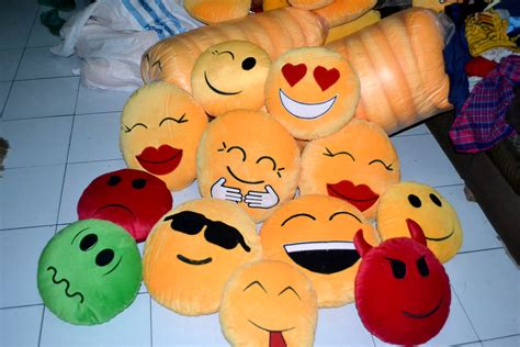 Sale Boneka Wisuda 40cm boneka emoticon lucu harga terjangkau sangat hamster