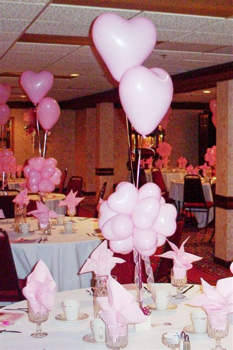 wedding centerpieces with heart pink balloonswedwebtalks
