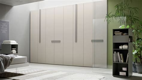 armadio moderno design armadio moderno design da letto con armadio