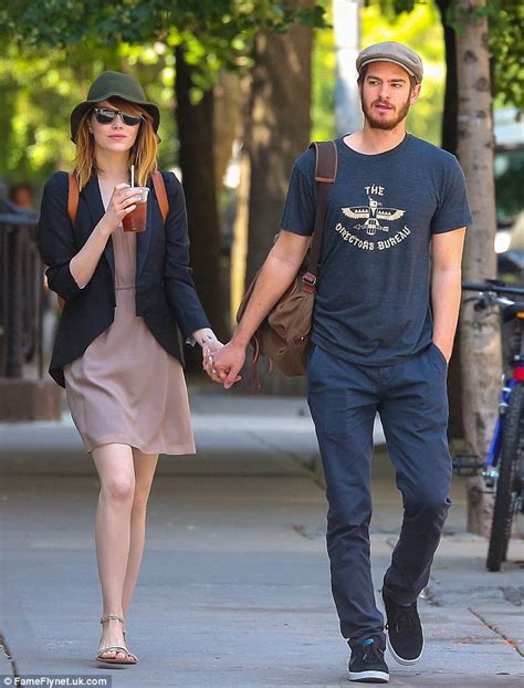 emma stone andrew garfield emma stone and andrew garfield share a sweet kiss goodbye