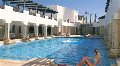 best hotel in naama bay airport to naama bay hotels