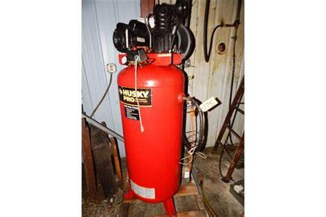 HUSKY PRO 3.2HP MOTOR, 60 GAL. TANK, VERTICAL TANK PISTON TYPE AIR COMPRESSOR