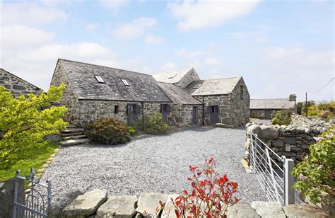 Harlech Castle Cottage by 6 Bedroom Character Property For Sale In Harlech Gwynedd
