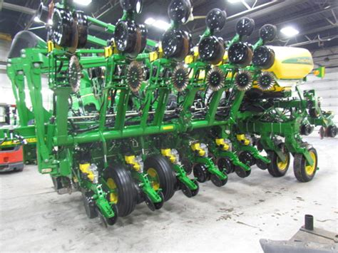 32 Row Planter by 2014 Deere 1790 16 32 Row Planters