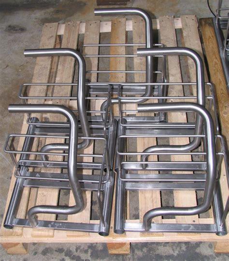 supporti per tavoli manici supporti e tavoli in tubolare sagomato