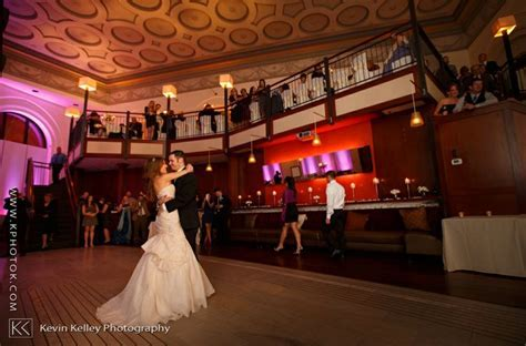 If you are looking to have a city wedding, Bank Street