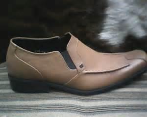 Harga Baju Merk Aigner gesunde shoes