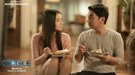 film raditya dika dan kimberly raditya dika dan annisa rawles main mata di film single