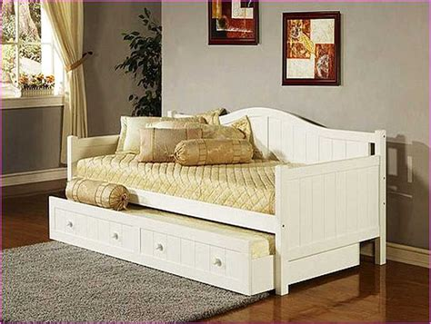 full size daybed with trundle bed full size daybed with trundle bed 28 images furniture fascinating daybeds with pop