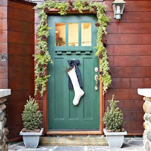 Door Decoration Ideas For Christmas 15 stunning christmas door decoration ideas christmas