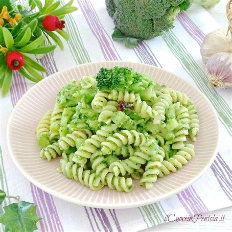 come cucinare i broccoli con la pasta pasta con i broccoli ricetta pasta con i broccoli il
