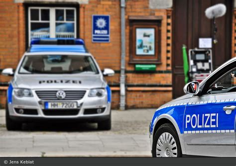 Bewerbungsfrist Gehobener Dienst Polizei Hamburg Einsatzfahrzeug Polizei Vw Passat Fustw Bos