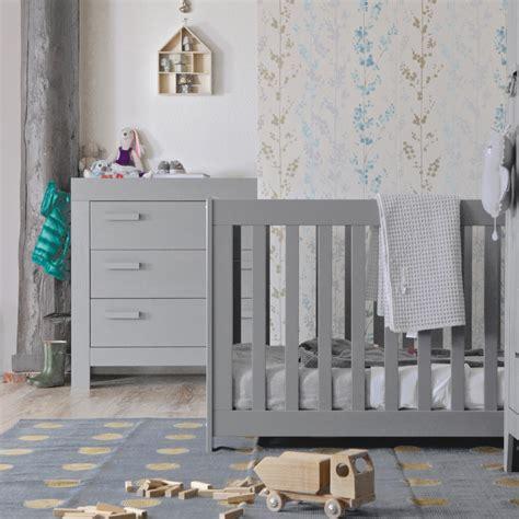chambre bebe gris clair chambre b 233 b 233 essentielle bois massif gris b 233 ton aarobetk02