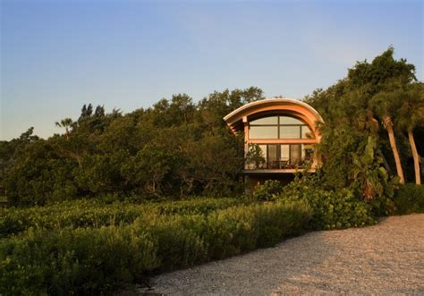 Natural Landscape In Small Beautiful Guest House On A Casey Key Guest House Plans