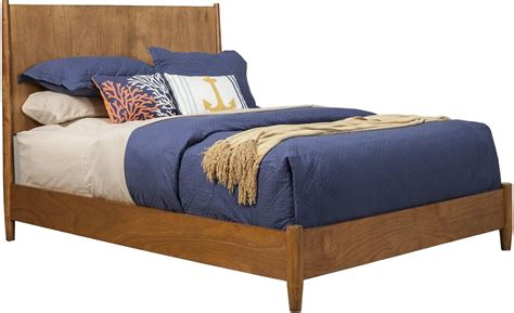 king panel bed flynn acorn king panel bed from alpine coleman furniture