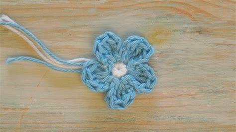 crochet how crochet how to crochet a mini flower yarn scrap friday