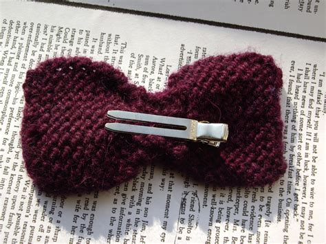 how to knit a hair bow not so itty bitty bows 183 how to crochet a hair bow