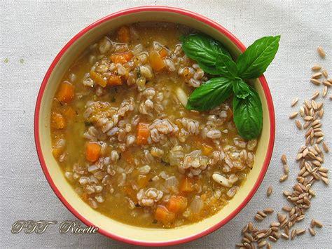ricette per cucinare il farro ricetta zuppa di carote farro ricette con farro