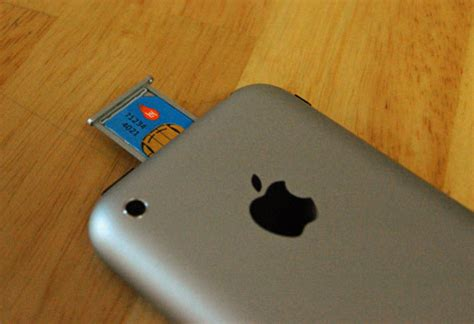 apple ditches plans  create   iphone sim card